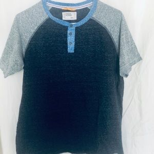 Free Planet Y-neck Henley